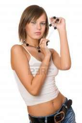 Dinero a chica atractiva y joven