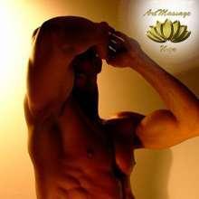 Cristian masajista masculino fuerte y viril en ibiza