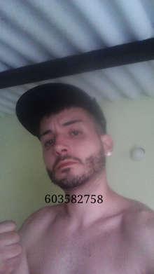 Chico joven busca mujer para sexo gratis