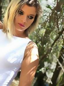Elena rubia jovencita