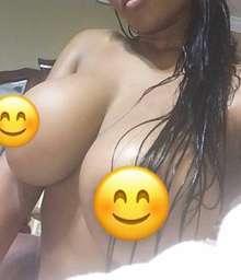 Reina mulata con curvas tremendas