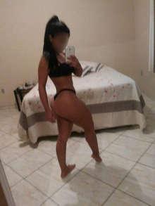 Latina guarrilla muy dispuesta y complaciente whatsapp