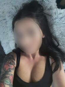 Latina tatuada morena buenas curvas whatsapp