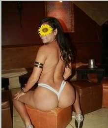 Monica sexy brunete sexy massage