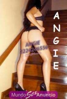 Angie sexy alta piel blanca ojos verdes rico busto 38b talla 5
